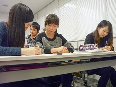 日本東京国際学院 授業風景1